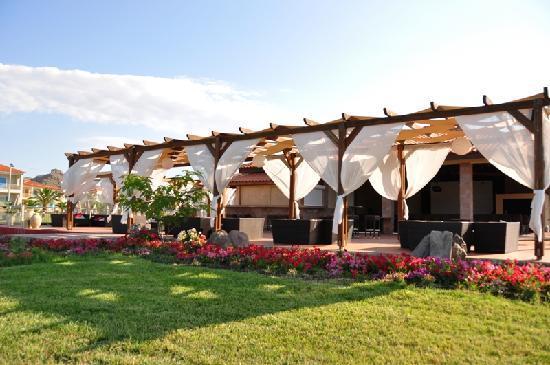 Neilson Aeolian Village Beachclub: The pool bar