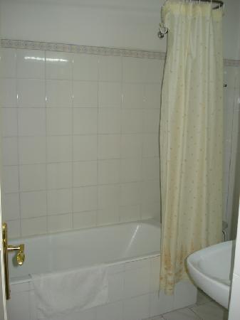 Hotel Residencia Lisboa: Bathroom