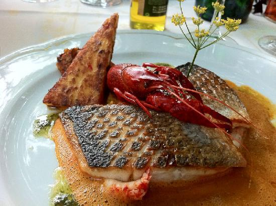 Le Patio: Bass with lobster