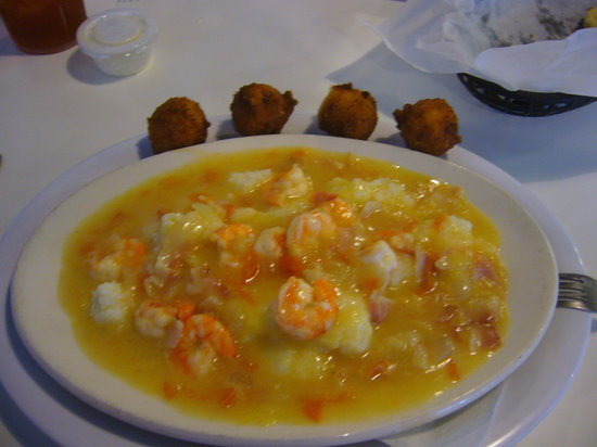 Good Fellas Seafood Hut & Bar: Amazing Shrimp and Grits!!!