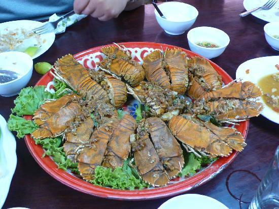 Hotel Tropicana: Delicious Rock Lobster with garlic & peppercorns