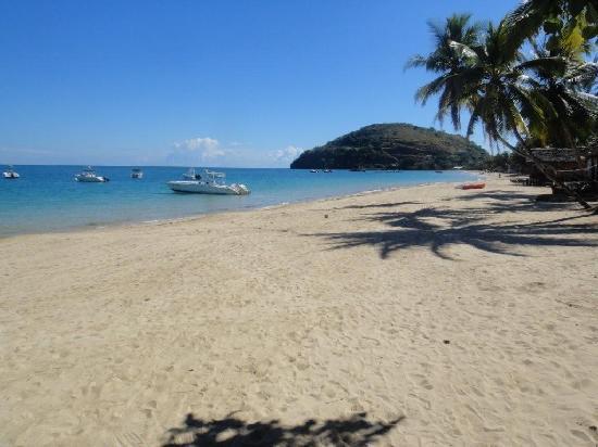 Royal Beach Hotel : beach 2