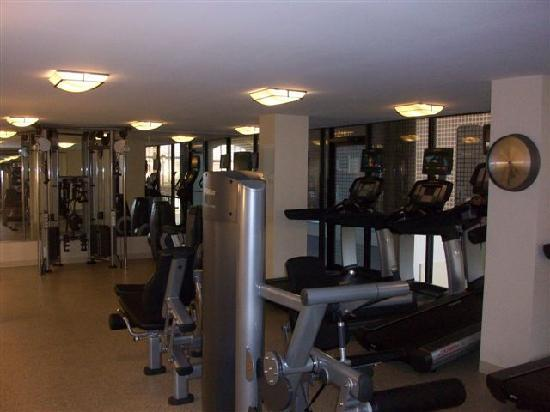 Houston Marriott West Loop by The Galleria: fitness room