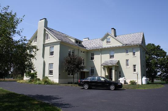 Yale Manor Bed & Breakfast Picture