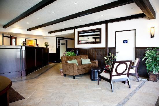 Stratford Inn: Front Desk