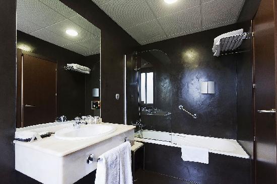 Baños De Microcemento Opiniones:Detalle de un baño con ducha: fotografía de Hotel Rio Bidasoa