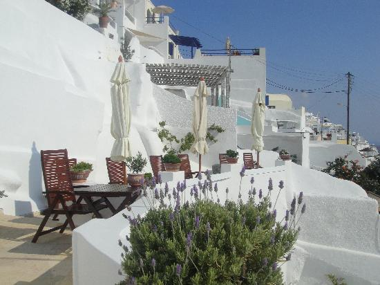 Lithies Traditional Homes: The upper terrace