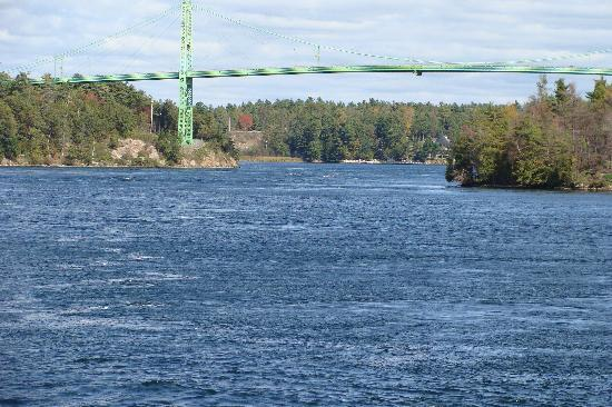Gananoque, Canada: International Bridge
