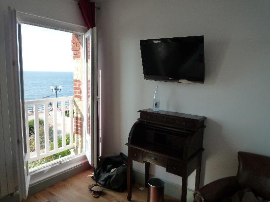 Hotel Restaurant le Corsaire : chambre