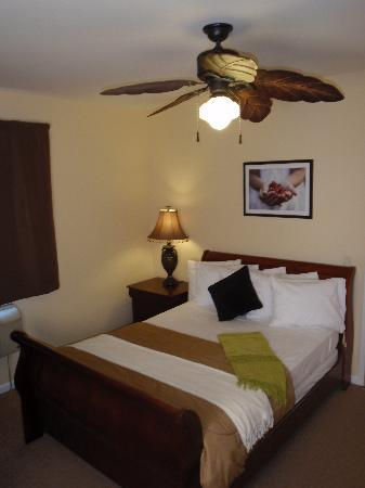 The Hotel Hollywood: Typical Guest Room