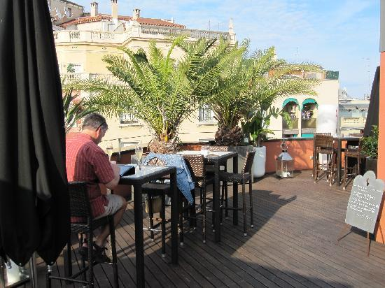 Villa Emilia: Roof top patio