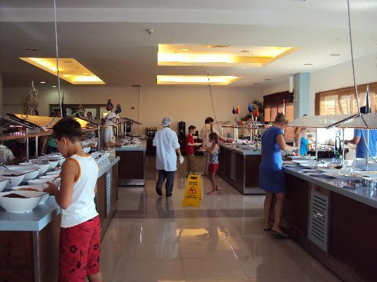 TUI Family Life Tropical Resort: main restaurant