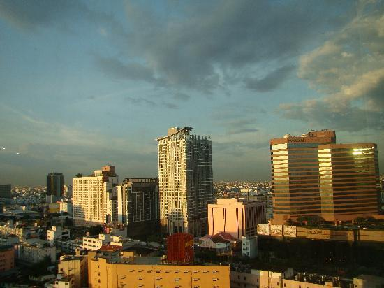 The Emerald Hotel: Ratchda Sky Line View