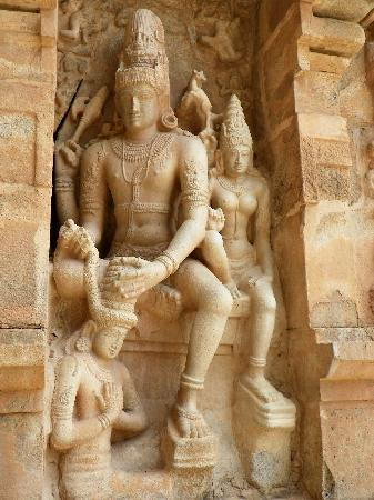 Great Living Chola Temples : Gangaikondacholapuram - Chandikeswarar frieze