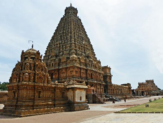 Great Living Chola Temples : Thanjavur Big Temple - Brihadeeswarar