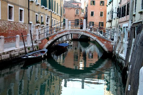 SeeVenice : Venetian bridge at sunset