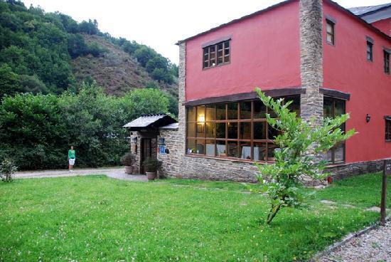 Hotel Casona Cantiga del Agüeira: Exterior de la casona