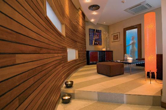 Mediterranean Beach Hotel: Aquum Health Spa
