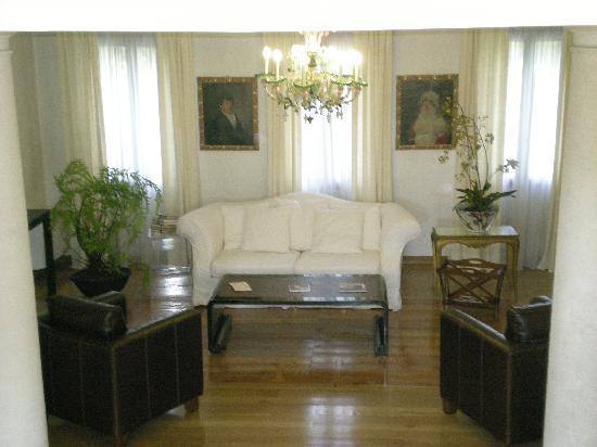 Villa Foscarini Cornaro: angolo del primo piano