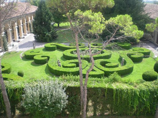 Villa Foscarini Cornaro: scorcio del giardino