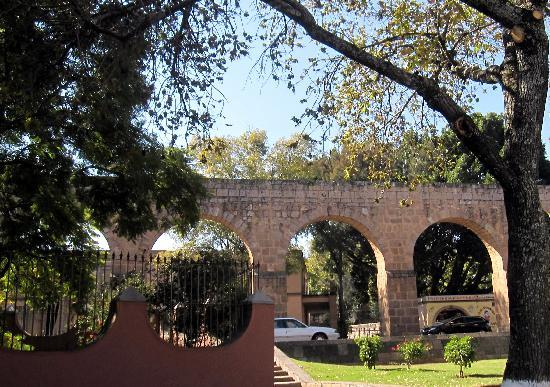 Morelia, Mexiko: The aqueduct