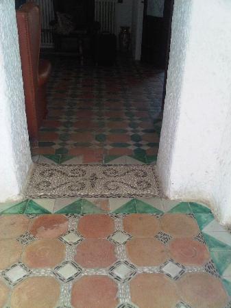 Residencia Miami Hotel: original tiles