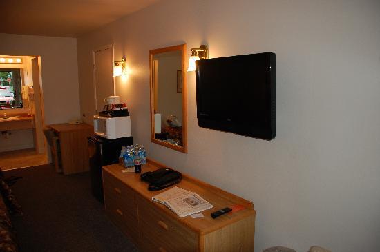 Mill Village Motel: Flat Screen TV