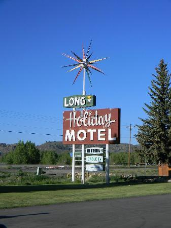 Long Holiday Motel: Look for this sign
