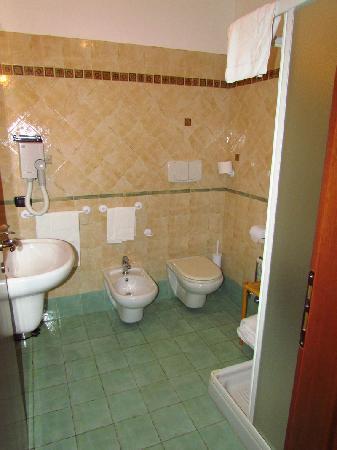 Residence Alberghiero Eolie: Bathroom