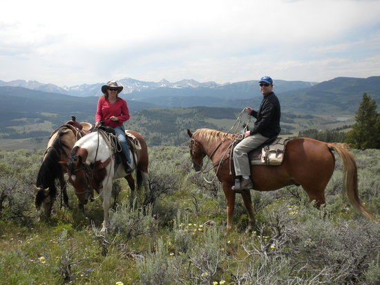 320 Guest Ranch : One of the beautiful summits