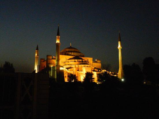 Berk Guest House: Hagia Sophia from our balkony