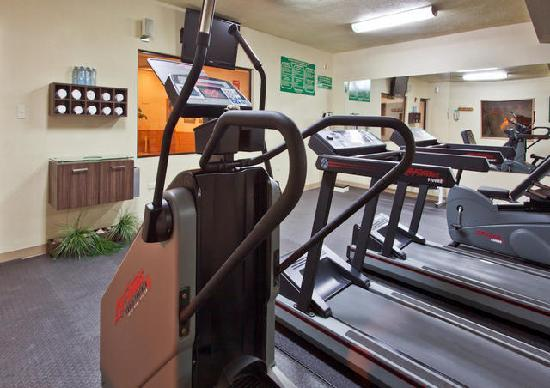 Holiday Inn Express Chihuahua: GYM
