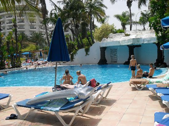 SENTIDO Gran Canaria Princess : vue d'une partie de la piscine