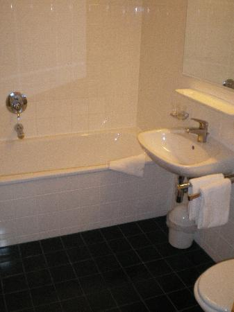 Hotel Falken: Badezimmer