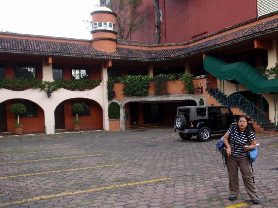 Hotel Park Villa: Estacionamiento