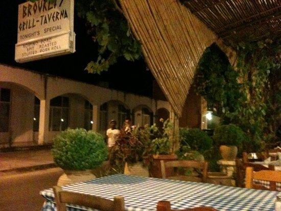 brouklis taverna