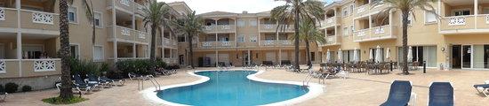 Las Dunas Apartamentos Turísticos: vue de la piscine