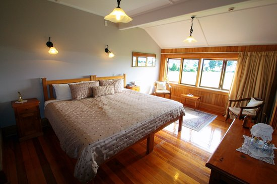 One of the Larger rooms at Te Anau Lodge