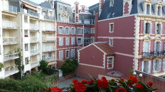 Grand Tonic Hotel Biarritz : view from our window -