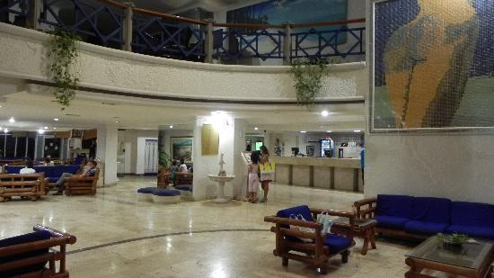 Hotel Costa Del Sol: Parte del Loby