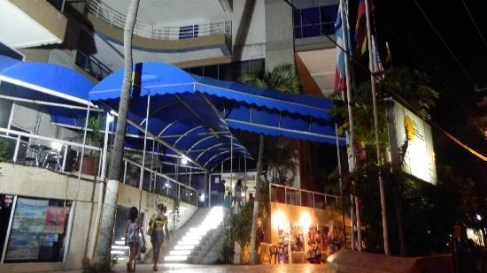 Hotel Costa Del Sol: Entrada ...