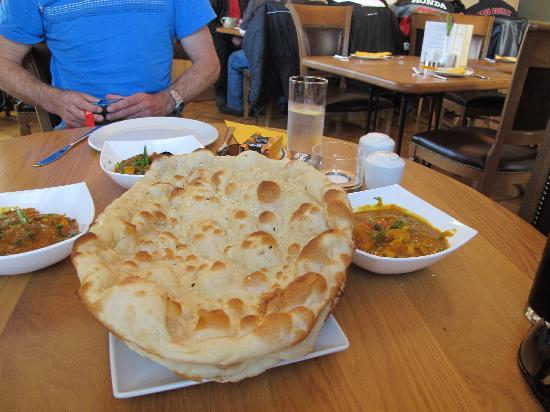 Inveraray, UK: The best naan ever