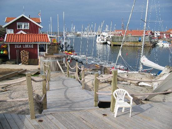 Sea Lodge Smogen: The quay at Sea Lodge.