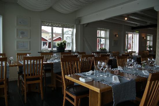 Sea Lodge Smogen: Interior of restaurant.