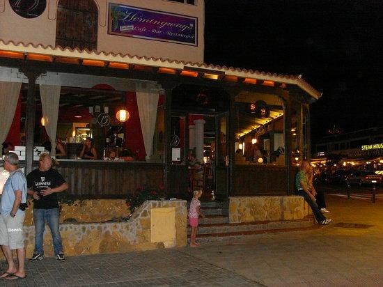 15: Outside restaurant!