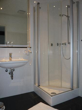 Augustiner Tor Hotel: Badezimmer