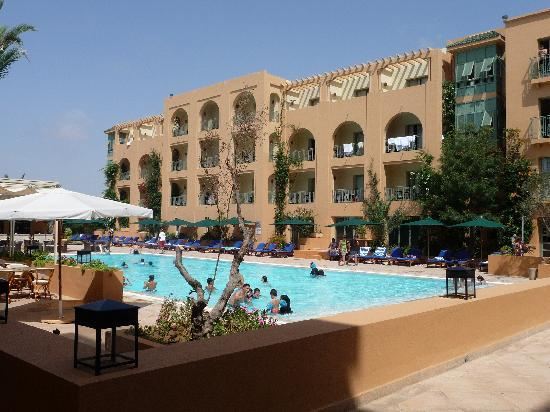 piscine picture of alhambra thalasso hotel hammamet. Black Bedroom Furniture Sets. Home Design Ideas