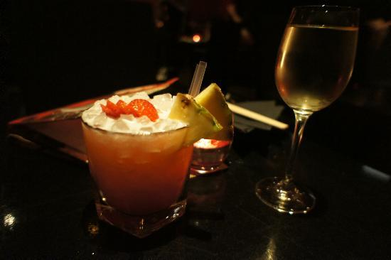 Kumo : Great drinks - some kind of strawberry mojito or something