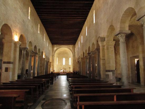 Porto Torres, Italy: interno cattedrale