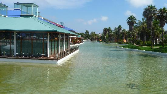 PortAventura Hotel Caribe: THE LAKE